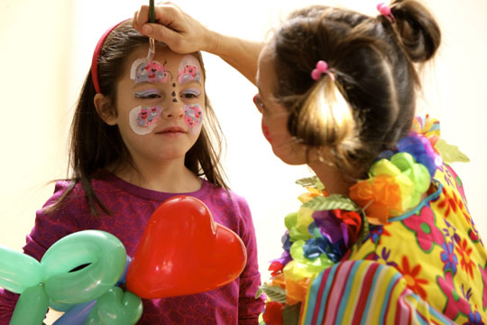 face-painting-and-balloons